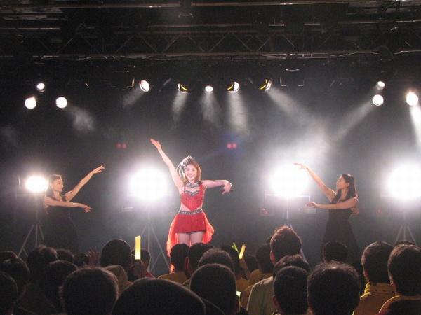 歌手の吉川友が、『7大都市ツアー2015 ~友言実行!~』の東京公演を... 吉川友、7大都市ツ
